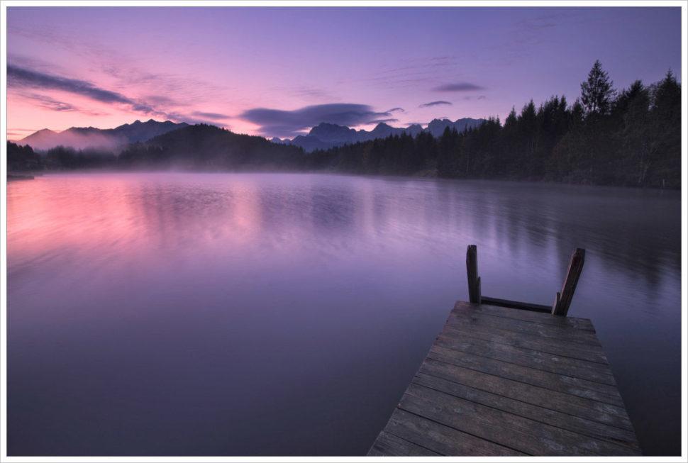 Ranní klid ujezera Geroldsee - fotografický workshop Malebné podzimní Bavorsko