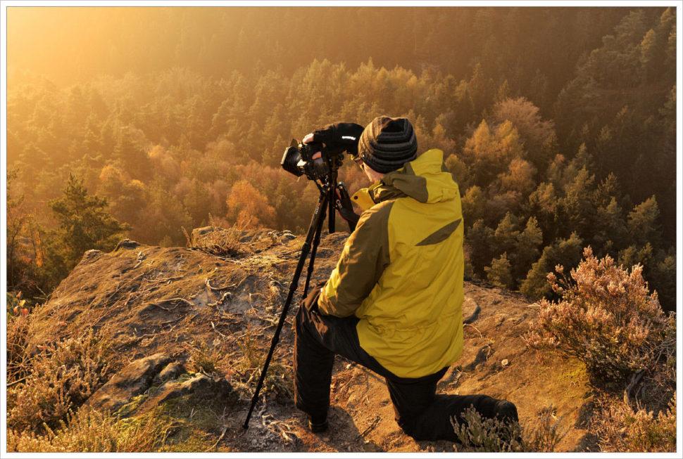 Soustředěný krajinářský fotograf - fotografický workshop Podzimní Českosaské Švýcarsko
