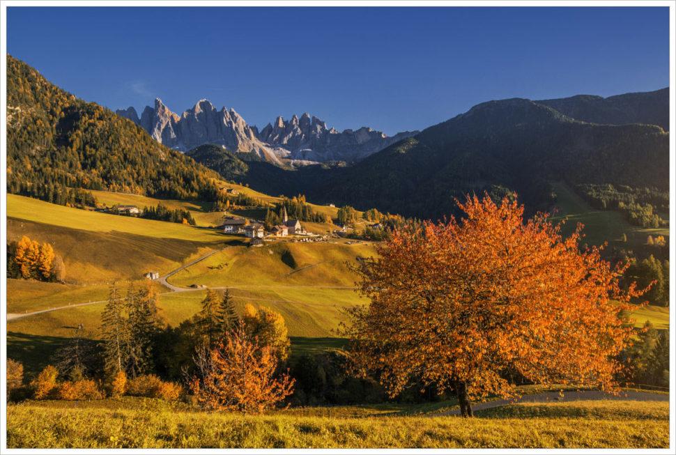 Podvečer ve Val di Funes - fotografický workshop Čarovné podzimní Dolomity