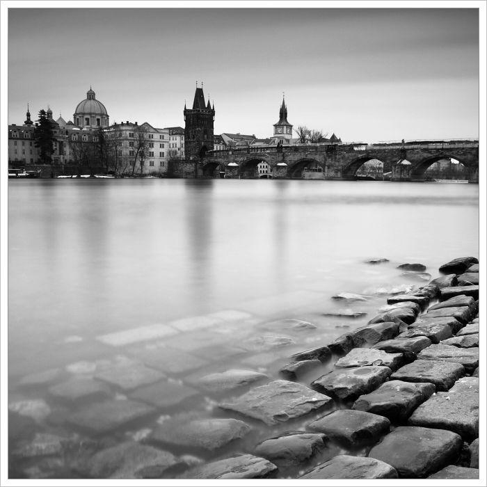 Hergetova cihelna a Karlův most - fotografický kurz Černobílá romantická Praha