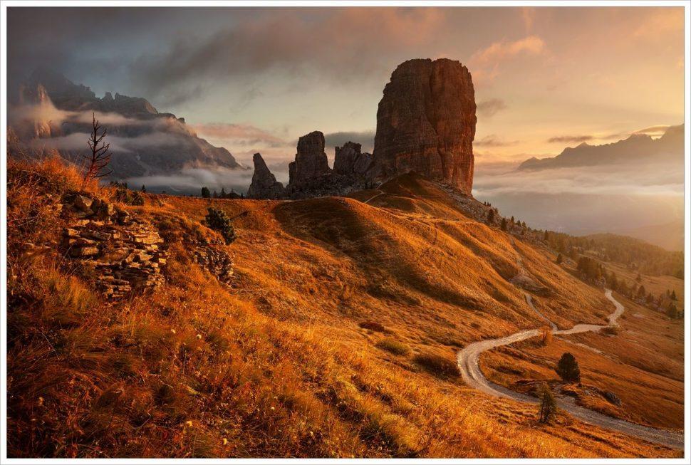 Cinque Torri při východu slunce - fotografický workshop Čarovné podzimní Dolomity