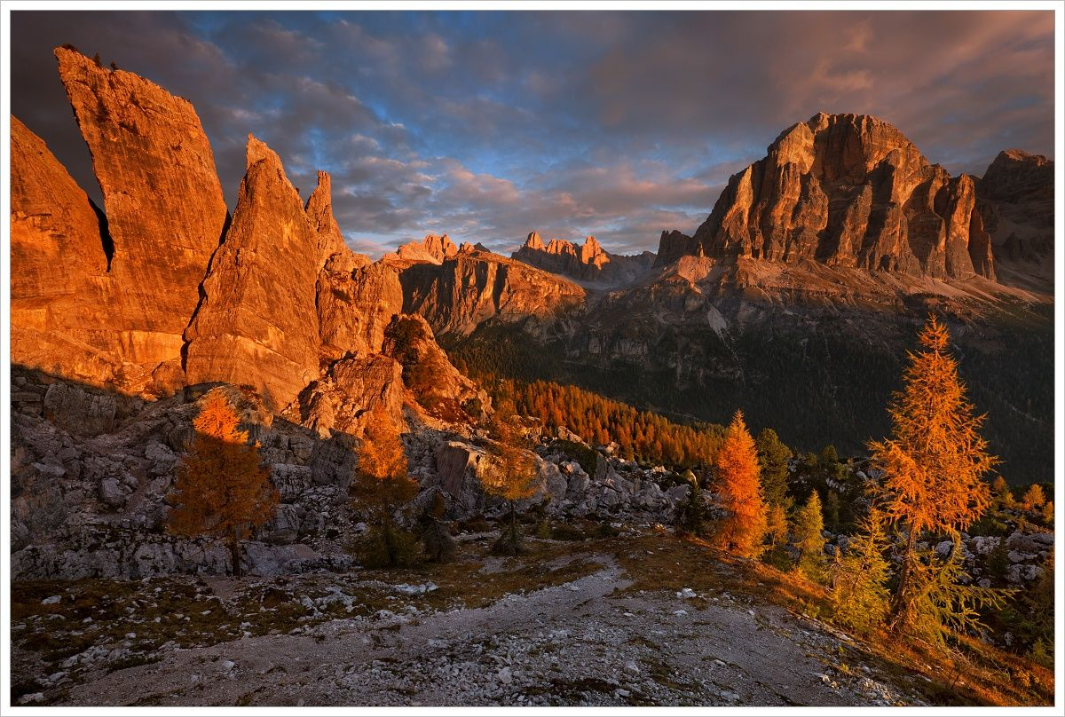 Ráno uCinque Torri -fotografický workshop Čarovné podzimní Dolomity
