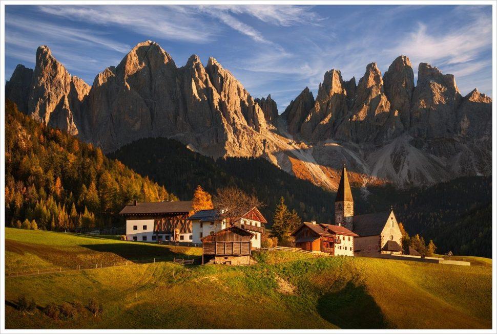 Alpská architektura ve Val di Funes - fotografický workshop Čarovné podzimní Dolomity