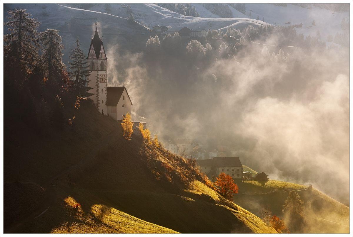Kostelík vLa Valle - fotografický workshop Čarovné podzimní Dolomity