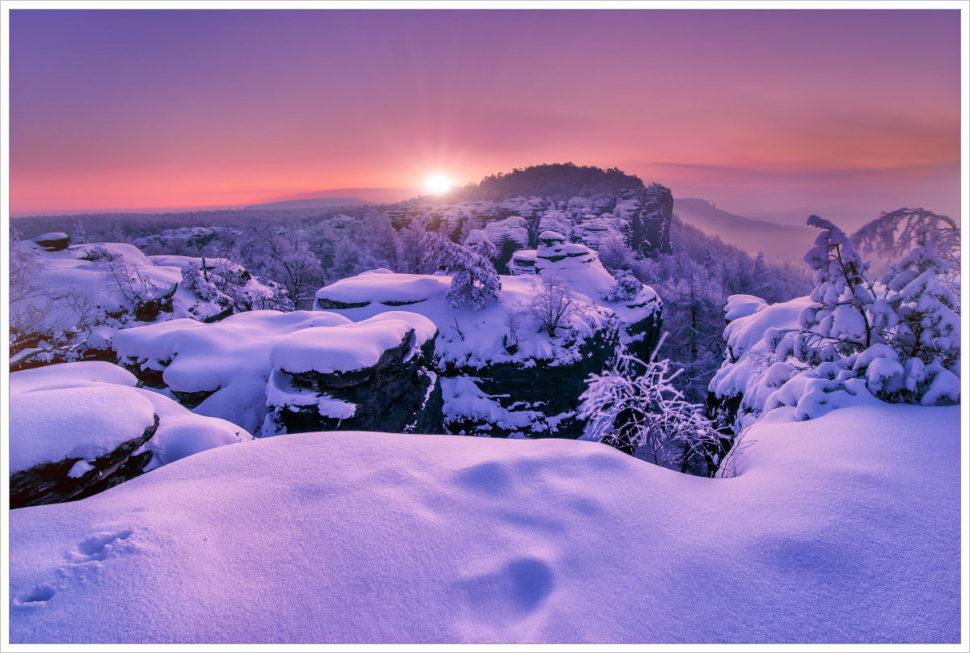 Ráno naskalách vTiských stěnách - fotografický workshop Labské pískovce aKrušné hory