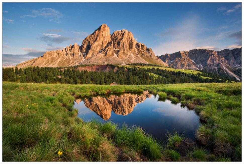 Podvečer vmokřinách uPasso delle Erbe - fotografický workshop Rozkvetlé letní Dolomity