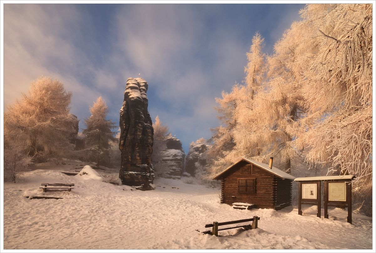 Zimní mrazivá atmosféra uvstupu doTiských stěn - fotografický workshop Labské pískovce aKrušné hory