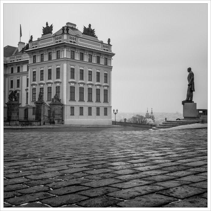 Socha Tomáše Masaryka uPražského hradu - Fotografický workshop Magická zimní Praha