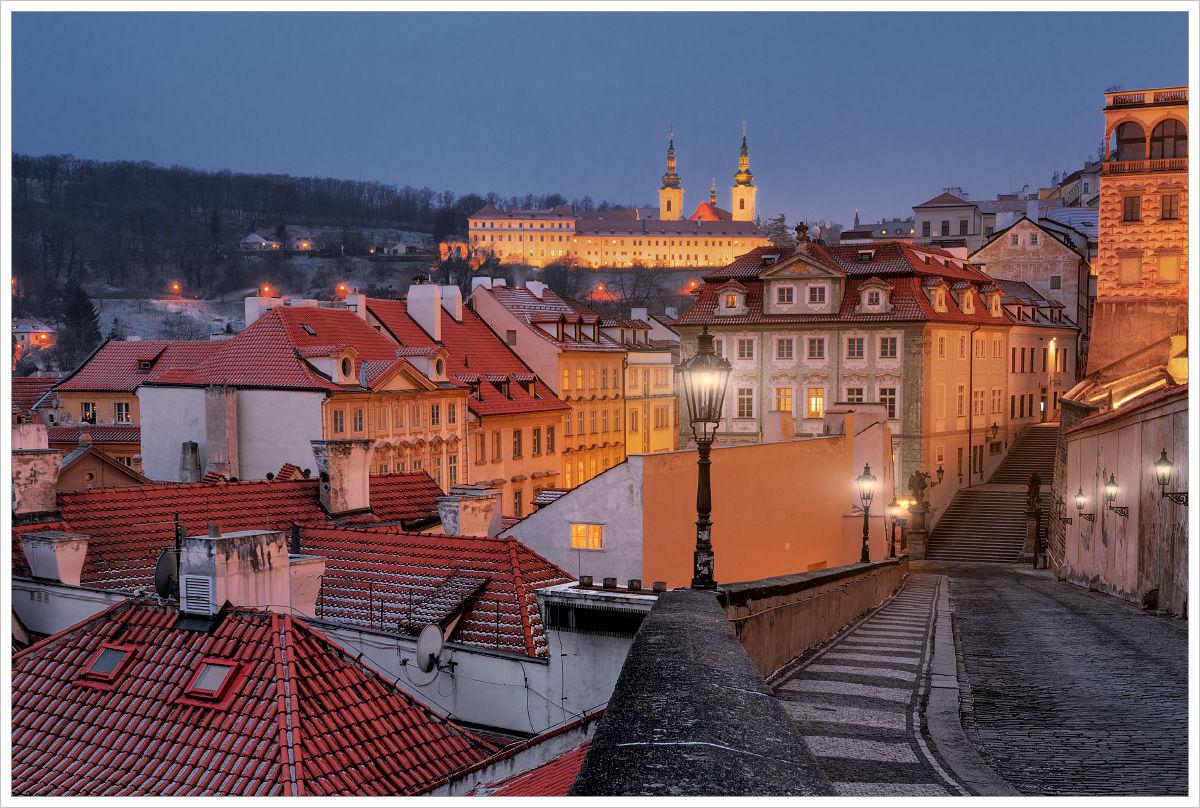Pohled od Pražského hradu směrem kRadnickým schodům - Fotografický workshop Magická zimní Praha